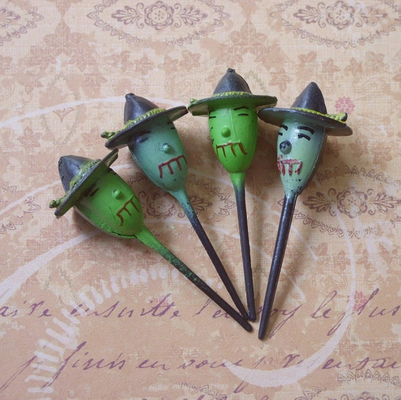 RESERVED for Victoria   4 Vintage Green Witch Plastic Halloween Cupcake Picks