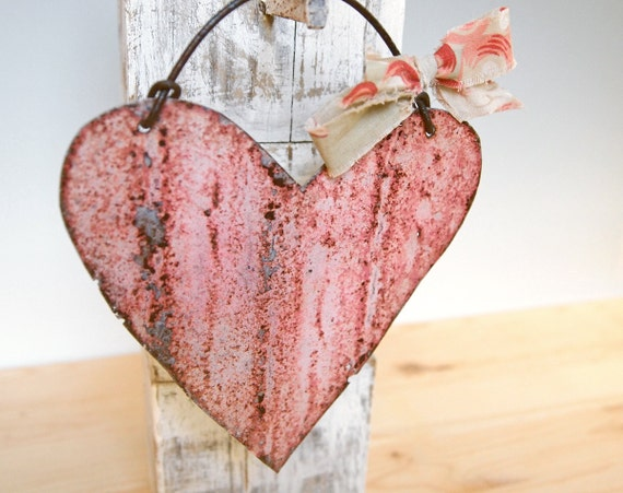 Antique Metal Heart Pink Cottage Chic Wall Decor Rustic Home