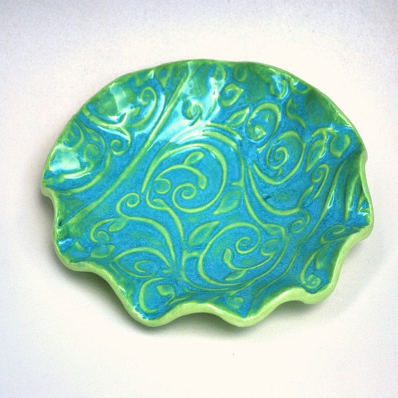 Ceramic texture bowl, scalloped edges, trinket bowl, candy dish, hostess gift, shower gift, wedding gift, 5.5 in, seafoam green