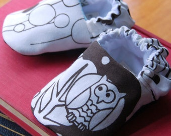 Chocolate Owl Reversible Baby Shoes