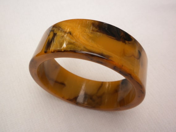 vintage bakelite bracelet, bakelite bangle, amber honey colors, gorgeous