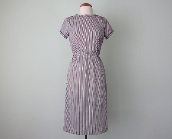 SALE 70s dress / purple striped boatneck fitted waist (s - m)