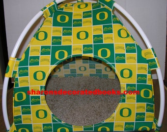 Large Handmade College Oregon Ducks Pup Tent Pet Bed for cats/ dogs/ferrets/ piggies/ A Toy Box / Barbie Doll House