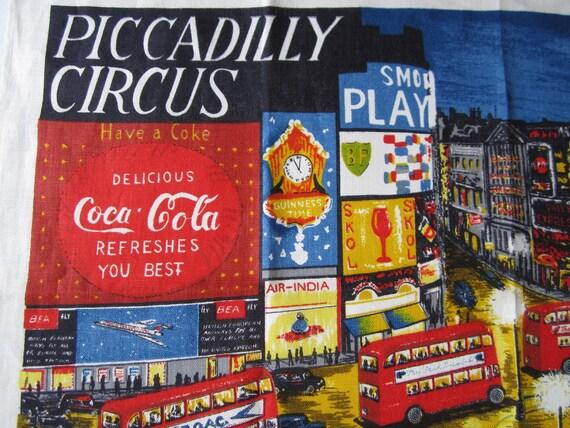 Souvenir Vintage Towel London Piccadilly Circus