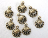 Antiqued Brass Ox Charm Scallop Shell Drop Victorian Style 7mm chm0135 (8)