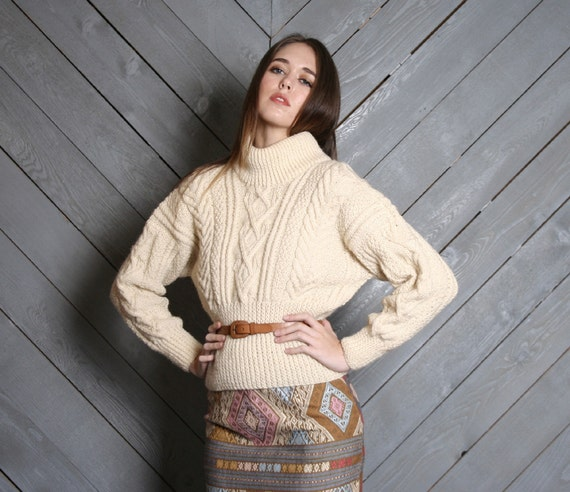 1980s WOOL SWEATER / Cozy Scottish Ivory Cable Knit Turtleneck, s-m