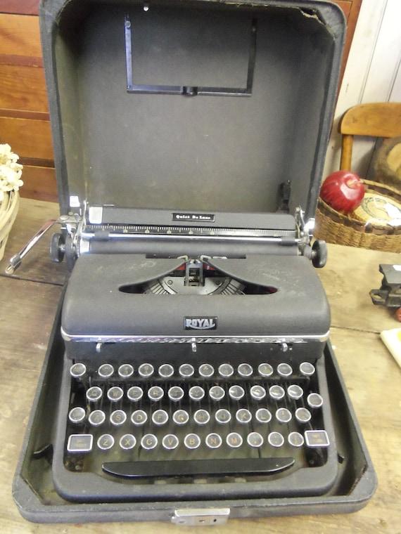 Vintage Royal Quiet Deluxe Typewriter In Original Case from Rustysecrets