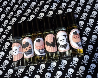 6 HALLOWEEN PARTY FAVORS - Roll on perfume Trick or Treat