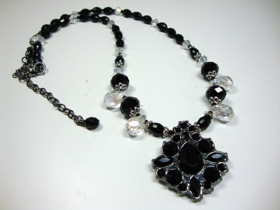 Art Deco Roaring Twenties Black and Crystal Dainty Necklace for the Great Gatsby Era, Formal Attire
