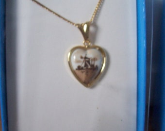Vintage Hoffman Genuine Delft Pendant Necklace, Heart shape  in Brown.