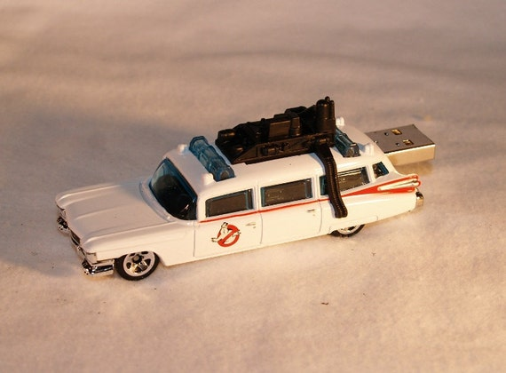 8GB  Ghostbuster ECTO-1  Flash Drive