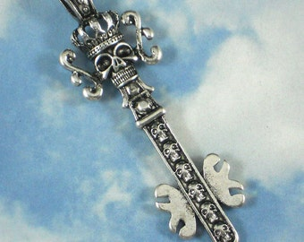 Royal Crown Skull Key Pendant 66mm Long Antiqued Silver Scepter Bead (P069)