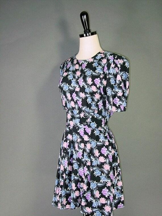 Vintage Black Floral Pleated Mini (xs-s)