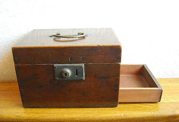 Vintage Japanese  Wood Box With Drawer