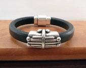Black Licorice Leather Bracelet - Boho Style - Regaliz Leather