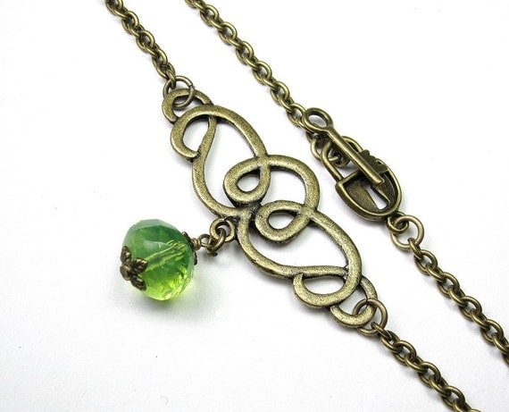 Light Green Opal Czech Glass, Vintage Style Choker Necklace, Choker, Vintage Style Jewelry, Gifts for Her, Fashion Jewelry, Celtic Knot