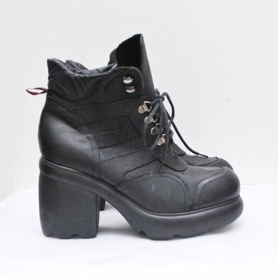 90s black leather ultra PLATFORM boots. cyber boots - us 7.5, eur 38, uk 5
