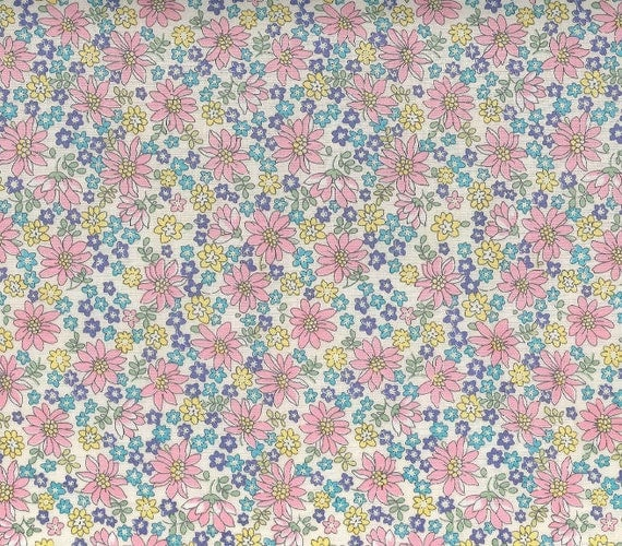 Japanese, YUWA LAWN 60, Live Life Collection, Medium Daisies in Pink, 1/2 Yard