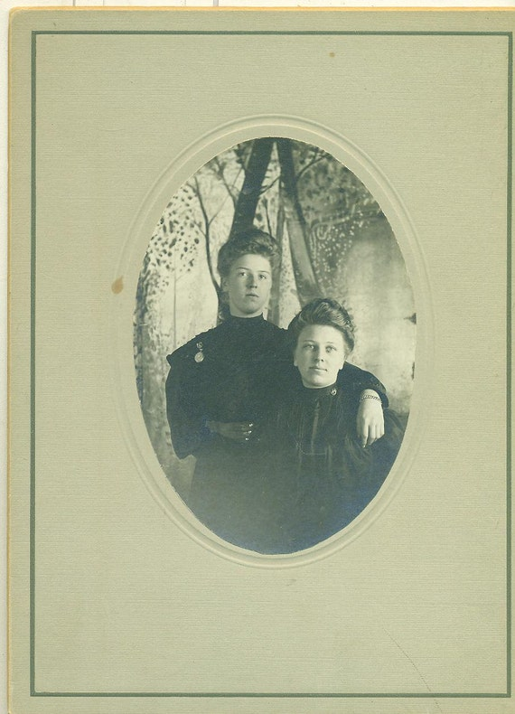 Victorian Michigan Sisters Black Winter Dress Dresses Antique Studio Portrait Cabinet Card Photo Photograph