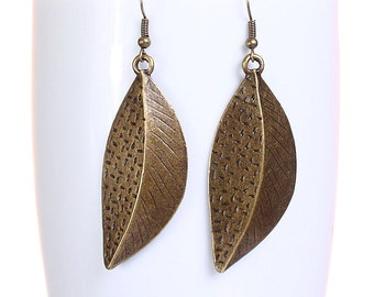 Antique brass leaf dangle earrings (623) - Flat rate shipping