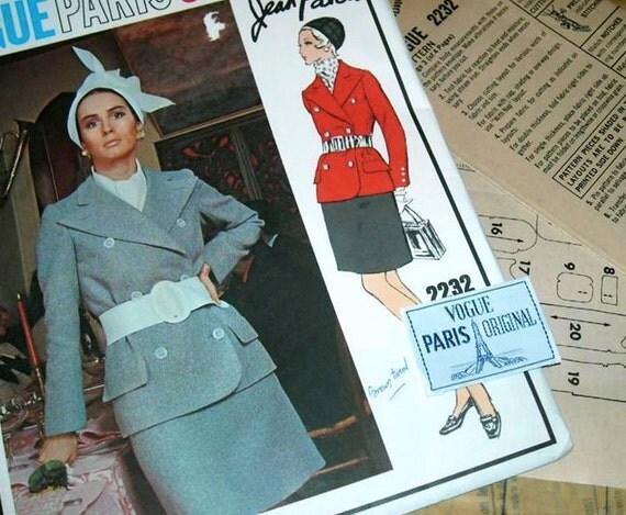 Stunning Vintage VOGUE Paris Original PATOU 2 piece Suit Pattern 2232 size 8 with Label UNCUT