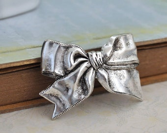 SILVER LOLITA metal bow hair barrette