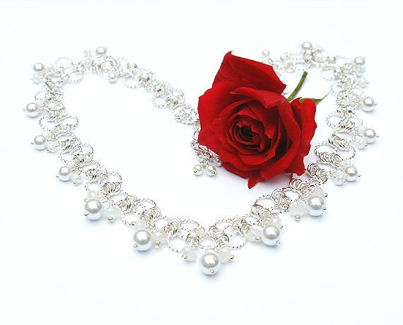Chainmaille Necklace with Swarovski Crystals and Glass Pearls