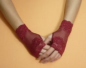 Short gothic Wristlets, Burgundy Fingerless Gloves, Steampunk Mittens, Baroque Lace Armwarmers, Gypsy and Boho Style