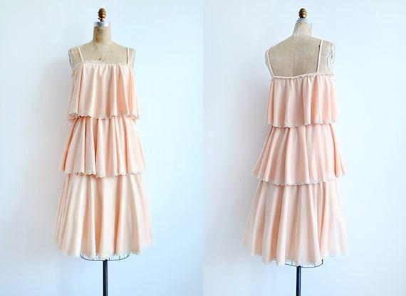 vintage 1970s dress / vintage 70s dress / vintage peach tiered 70s sundress