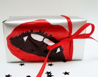 Bite Me Vampire Lips Gift Box Recycled Soda Can Eco Friendly  Repurposed Recycled