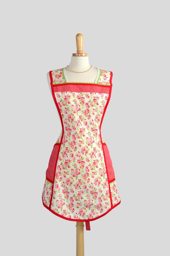 Retro Full Kitchen Apron / Womens Apron for Christmas and all Year Thru in Red Floral Bonnie and Camille Moda Fabric