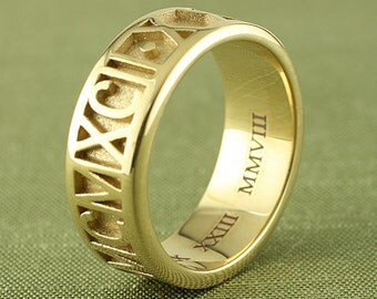 Personalized Roman Numeral Ring in 14K Gold, 8mm | Custom Graduation Ring