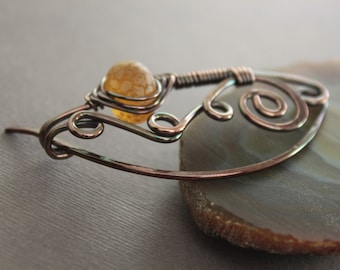 Shawl pin or scarf pin in swirly ornate design with rich honey color lampwork glass bead - Fibula - Glass pin - Cardigan clasp - SP030