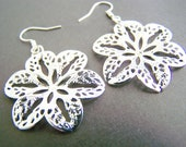 Silver Flower earrings - sale of the day - silver filigree - beach - Flower earrings - simple and light weight earrings - flowers