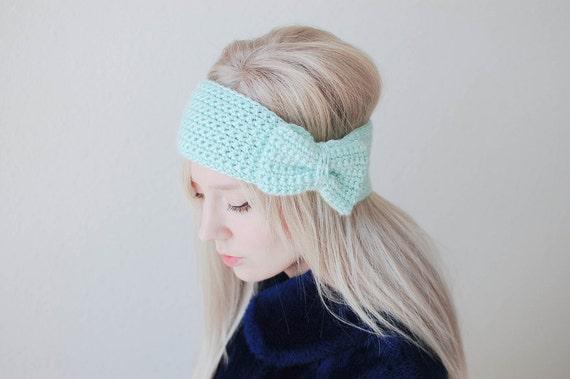 crochet bow headband in mint