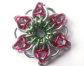 Christmas ornament, Star, Chainmaille Green, red, and silver - Small