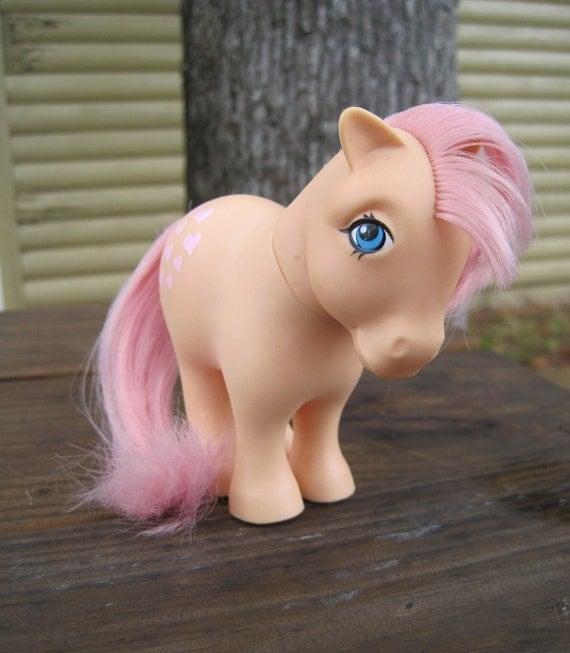 Vintage 1980s My Little Pony - G1 Flat Foot Peachy