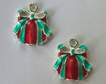 5 Enamel Christmas charms HOLIDAY GIFT Charms jewelry findings
