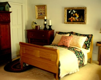 1:12th Scale Dressed Oak Double Sleigh Bed