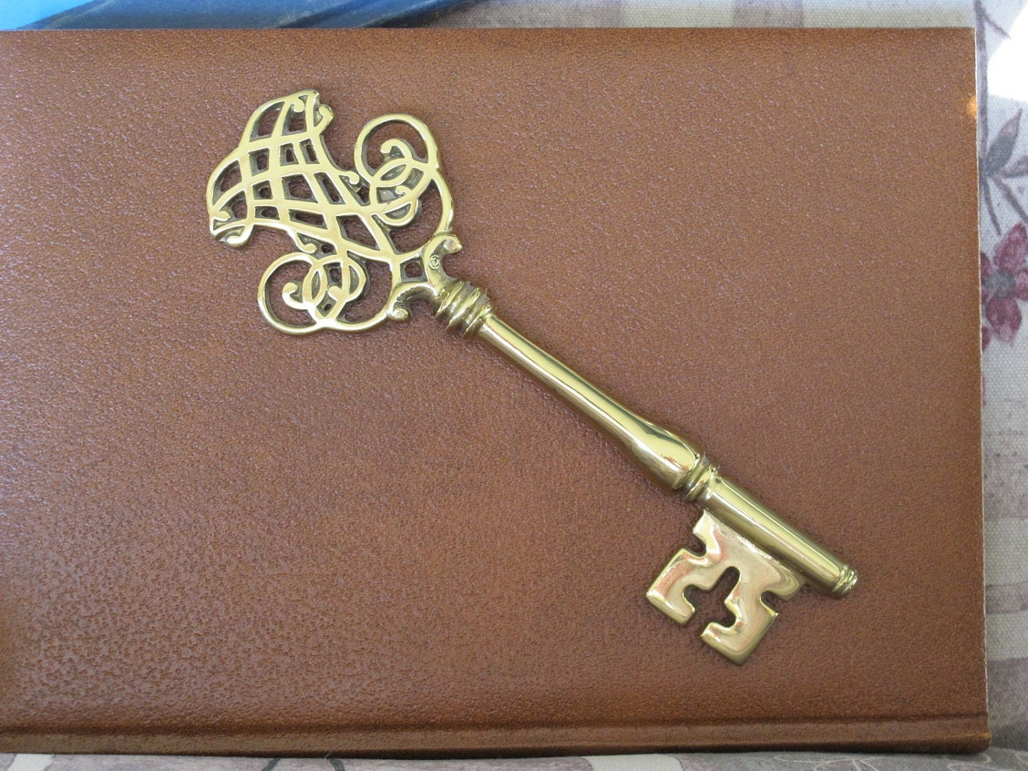 Vintage Big Ornate Brass Skeleton Key Virginia Metalcrafters