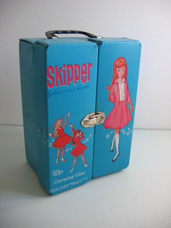 Vintage BARBIE's Little Sister, Skipper case.  Turquoise blue. Vintage 60's Era. Doll case.  Mattel.