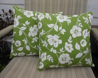 "2 Handmade Pillow Covers Case in Floral on green 14"" x 14"""