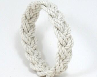 Rope Bracelet Narrow White Turks Head Knot
