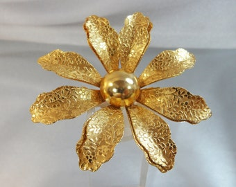 Vintage Flower Brooch.  Large. Gold Tone.