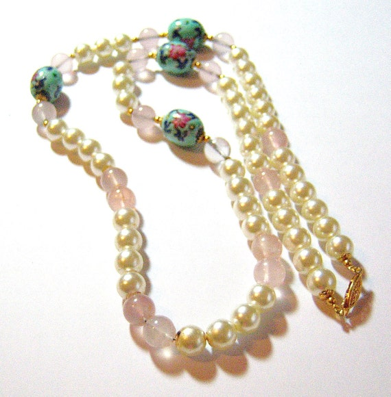 pink flowers and white bead glass vintage necklace