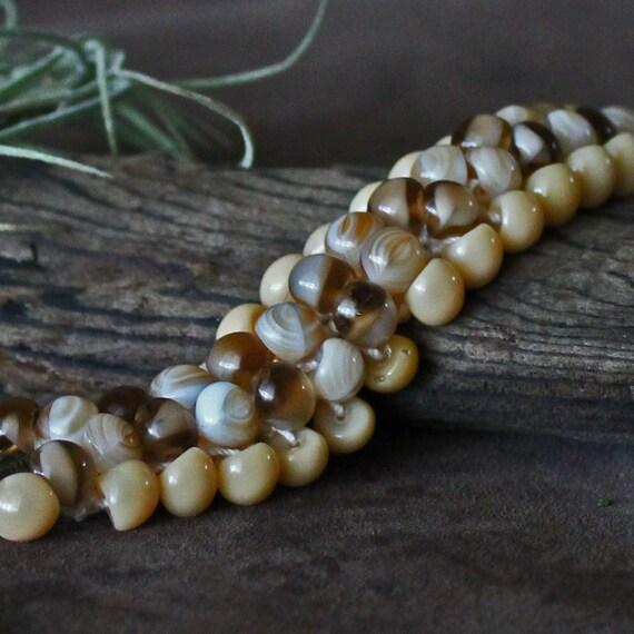 """Bracelet Neutral Tones Beads & Crochet : """"Desert Road"""""""