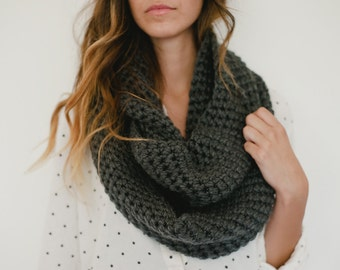 Gray infinity scarf, gray scarf, gray chunky scarf, dark gray, crochet, spring, fall, winter, circle scarf, loop scarf, fashion