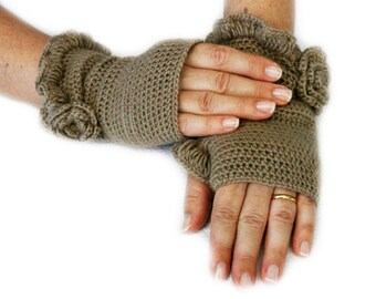 Khaki Belted Mittens, Handmade Mittens, Christmas, Knitt Mittens, Handknitt Mittens