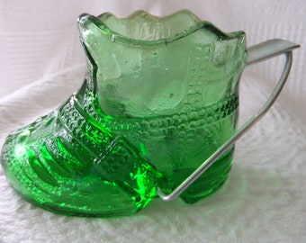Vintage Green Glass Cowboy Boot Ashtray Tobacco Collectible Western Cigarette Holder Country