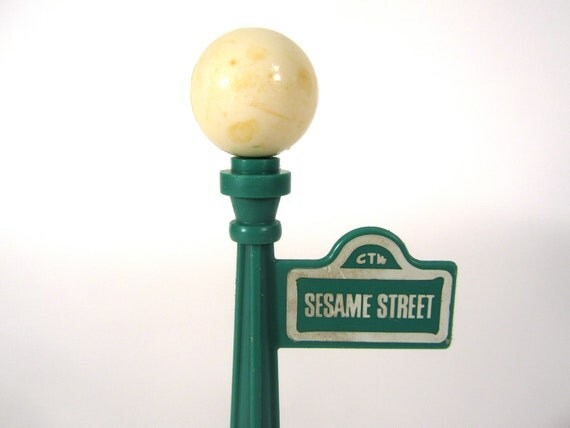 sesame street light pole 16233 microsec. Black Bedroom Furniture Sets. Home Design Ideas
